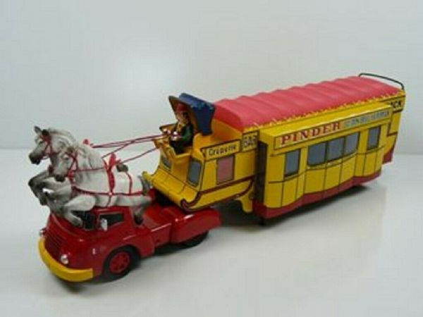 LK05 LK06 1/43 Bar-Creperie Truck Circus Pinder Snack Bar With 2 Horses Artic